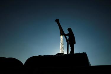 Man vult watertank