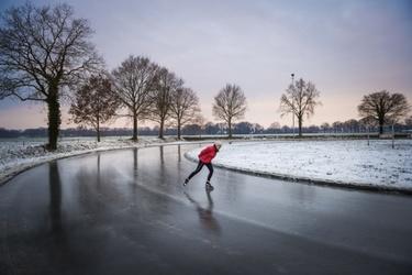 Schaatser op het ijs