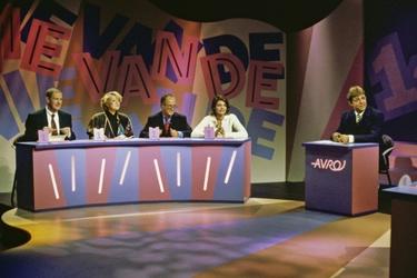 Achter de schermen bij televisiequiz Wie van de Drie