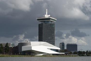 De A'DAM Toren en het IJ