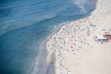 Drukte op het strand van Ameland