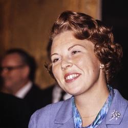 Een lachende prinses Beatrix