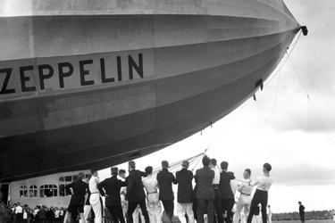 Luchtschip Zeppelin in Enschede