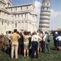 Toeristen in Pisa