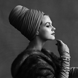 Model met tulband