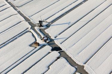 Windmolen in de sneeuw