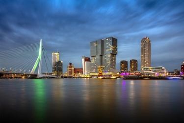 Skyline van havenstad Rotterdam