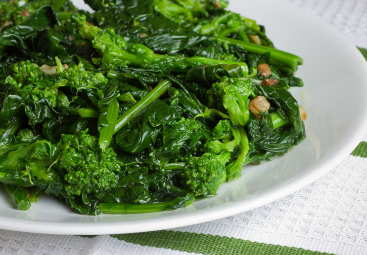 Broccoli Rabe with Pine Nuts and Raisins