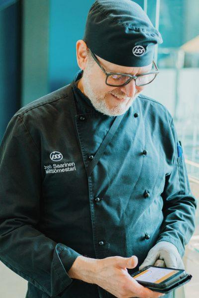 Head Chef Jyri Saarinen ISS doing digital kitchen management with Chefstein