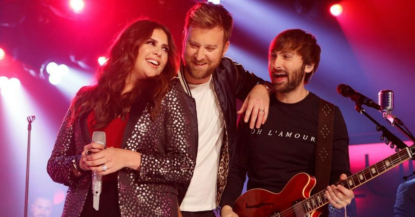 https://storage.googleapis.com/freebies-com/resources/shareables/174/lady-antebellum-singer-reveals-photos-and-names-of-twin-daughters.jpg