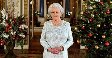 The Bittersweet Reason Why The Queen Leaves Her Christmas Tree Up Until February
