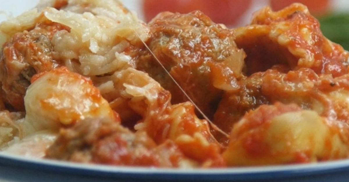 https://storage.googleapis.com/freebies-com/resources/videos/1366/one-pot-cheesy-tortellini-meatballs.jpg