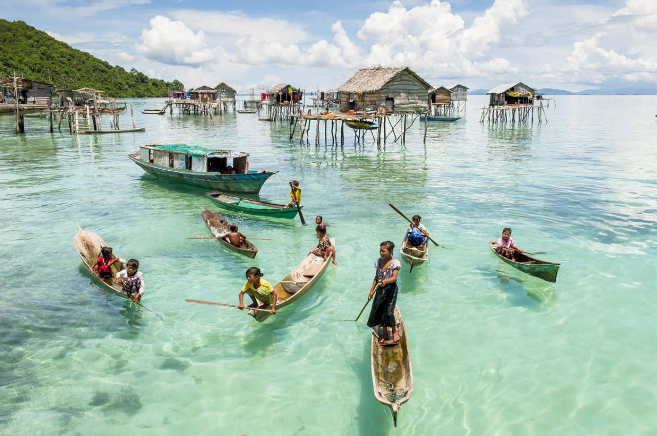 Bajau — people living on the surface of the sea - Freediving in United Arab Emirates. Courses, Certificates and Equipment