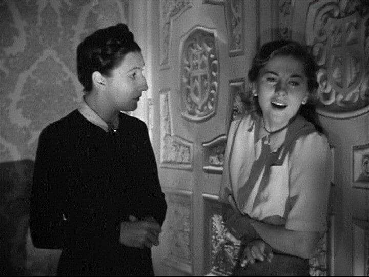 mrs danvers and mrs de winter in rebecca 1940