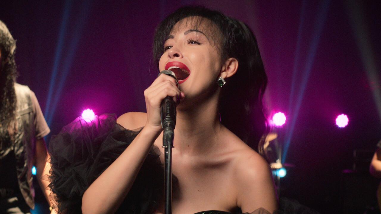 selena singing in selena the series