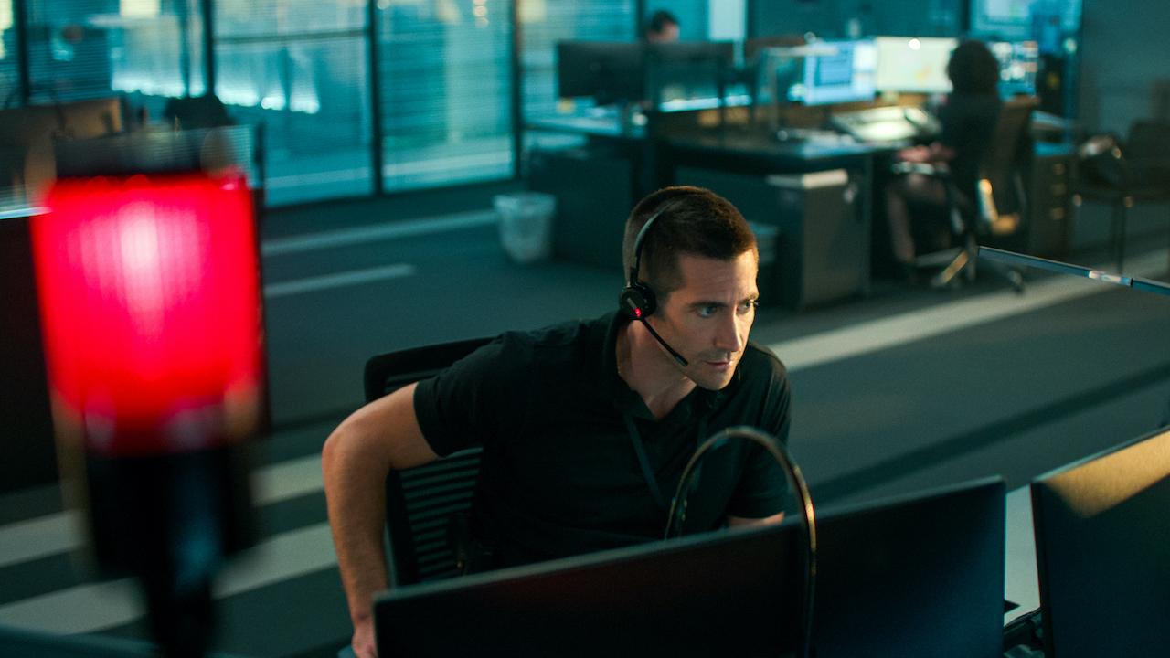 jake gyllenhaal in call center