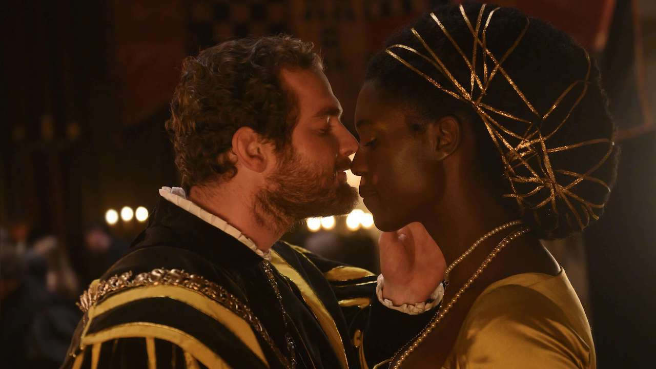 anne boleyn and henry viii kissing