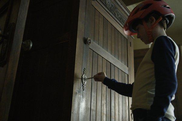 bode locke opening door