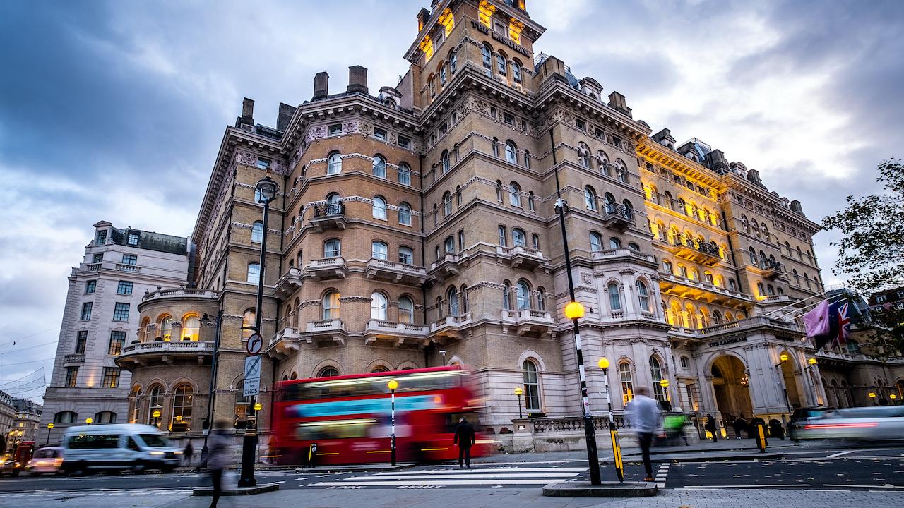 luxurious hotel in london