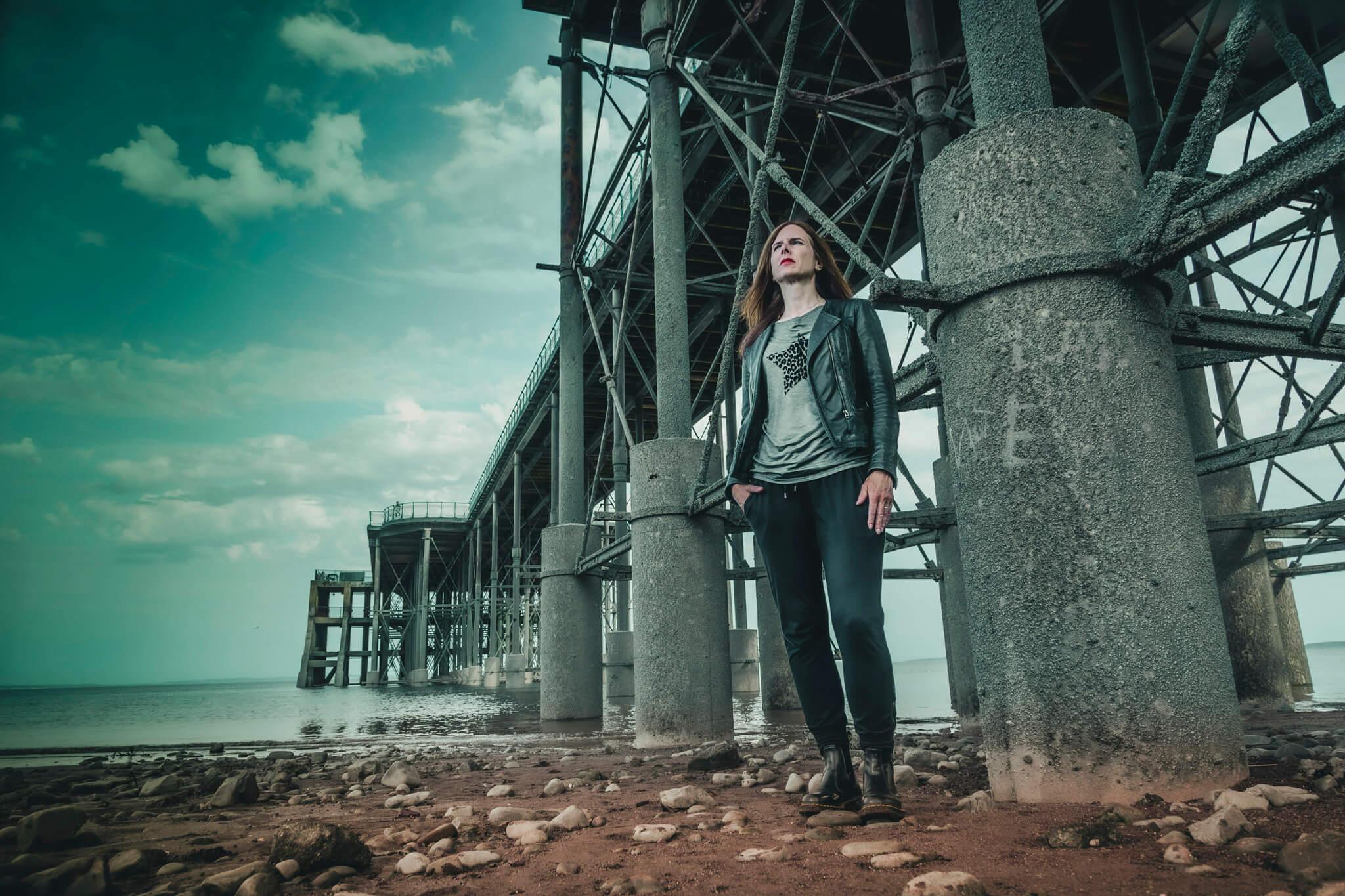 nell darby under bridge
