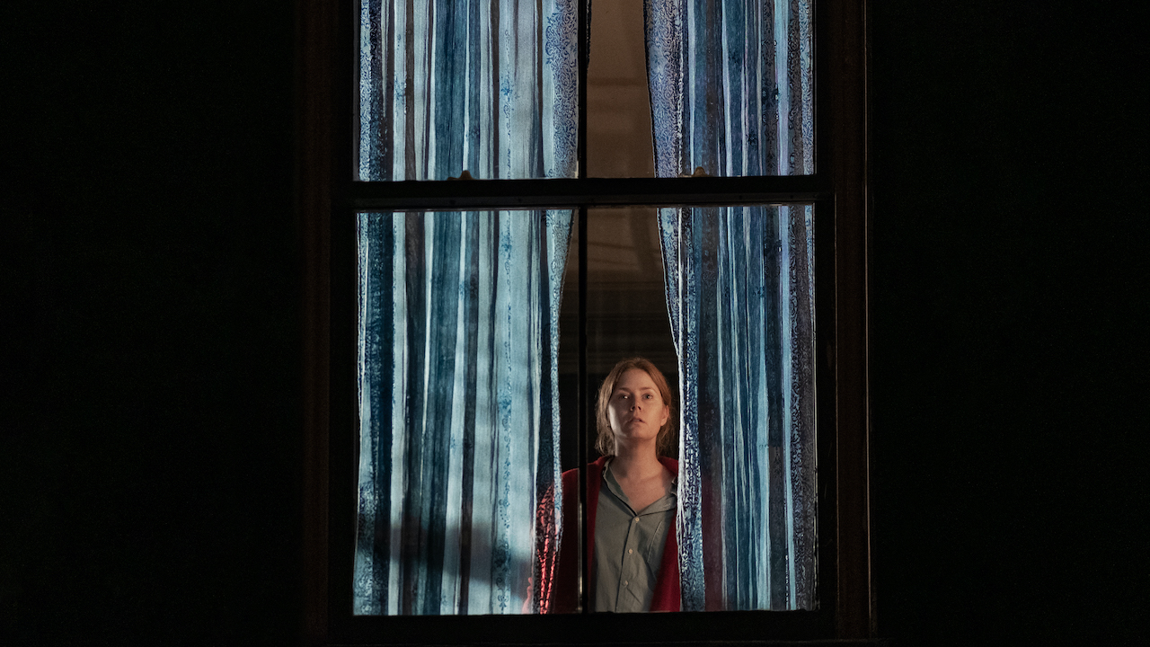amy adams in new thriller film