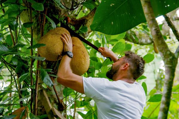 Zac Efron in Costa Rica