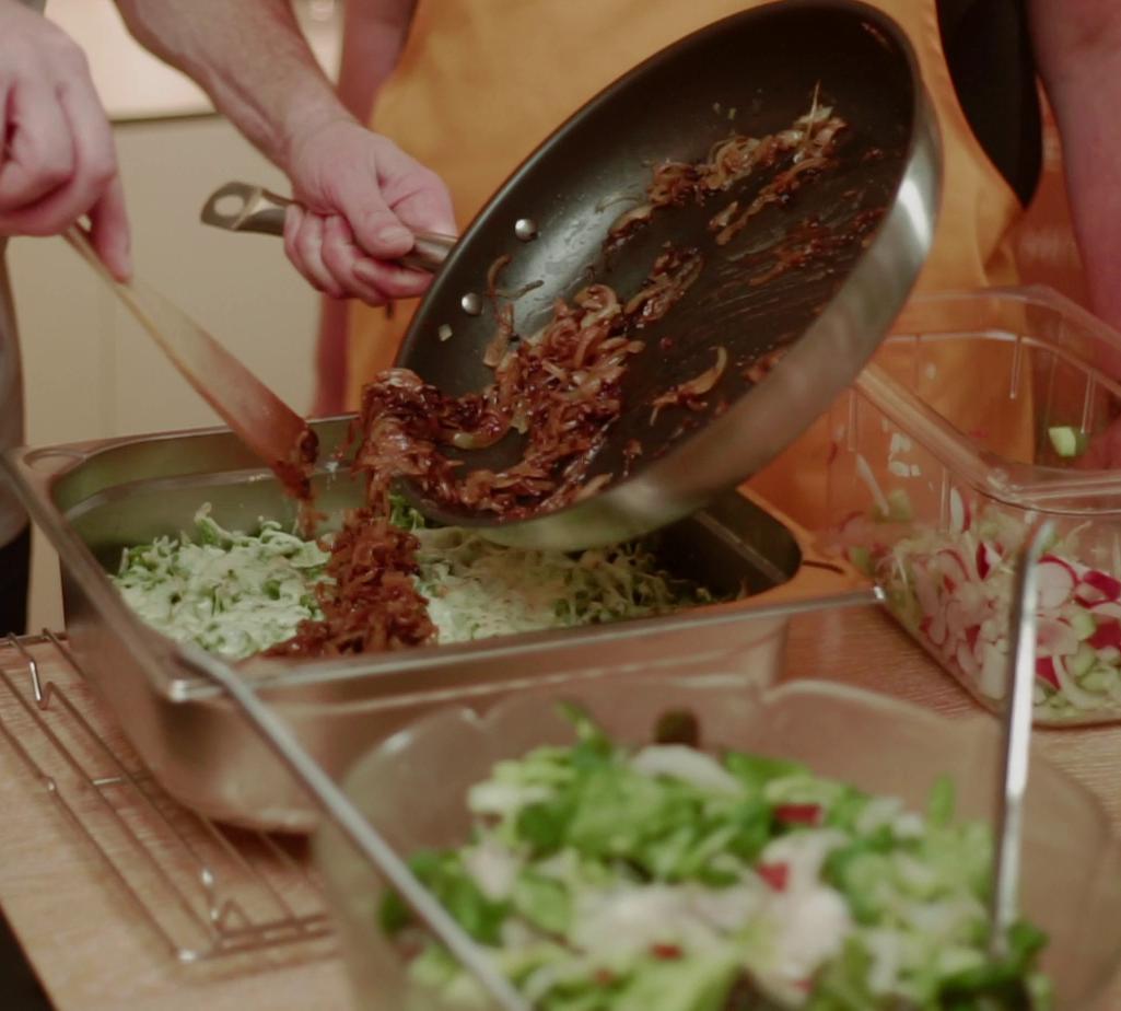 Käs-Spätzle mit Frühlingssalat