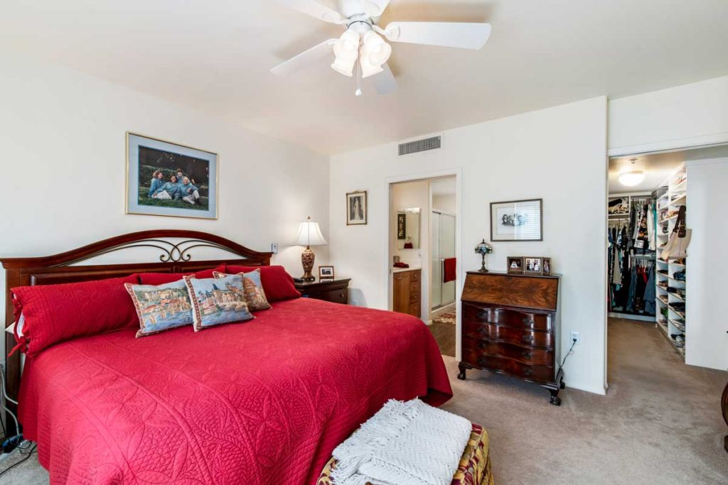 Castillo-Bedroom