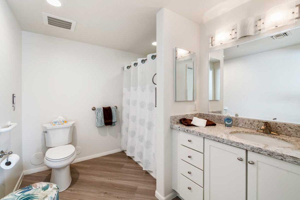 Amistad-Bathroom