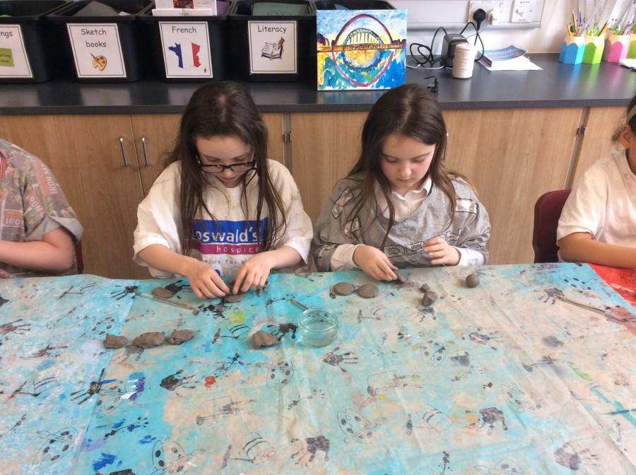 Clay jewellery in Art Club