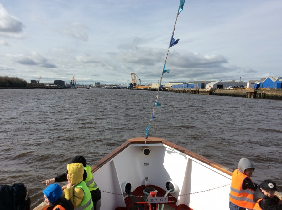 Cruising up the Tyne