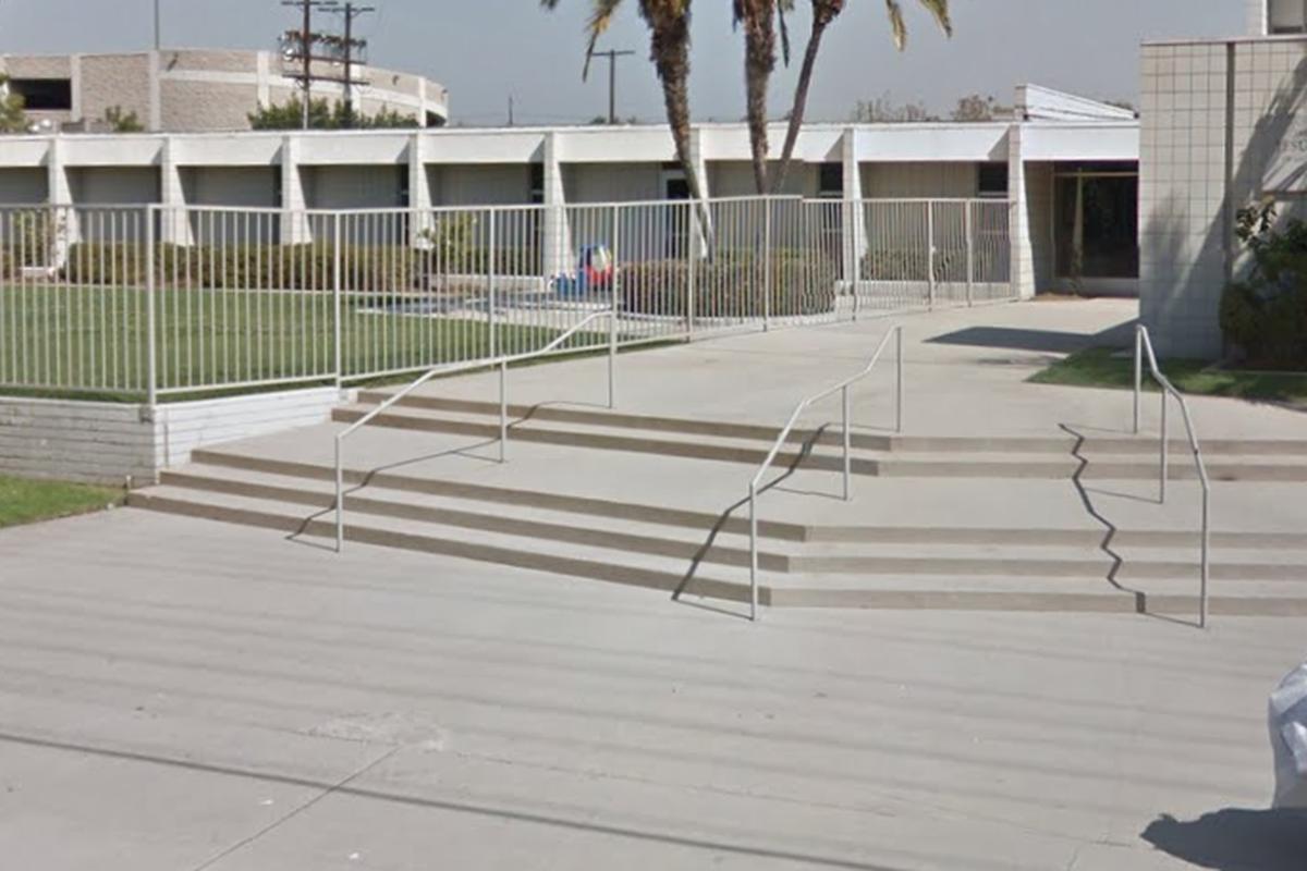 Image for skate spot 2 Flat 3 Rail