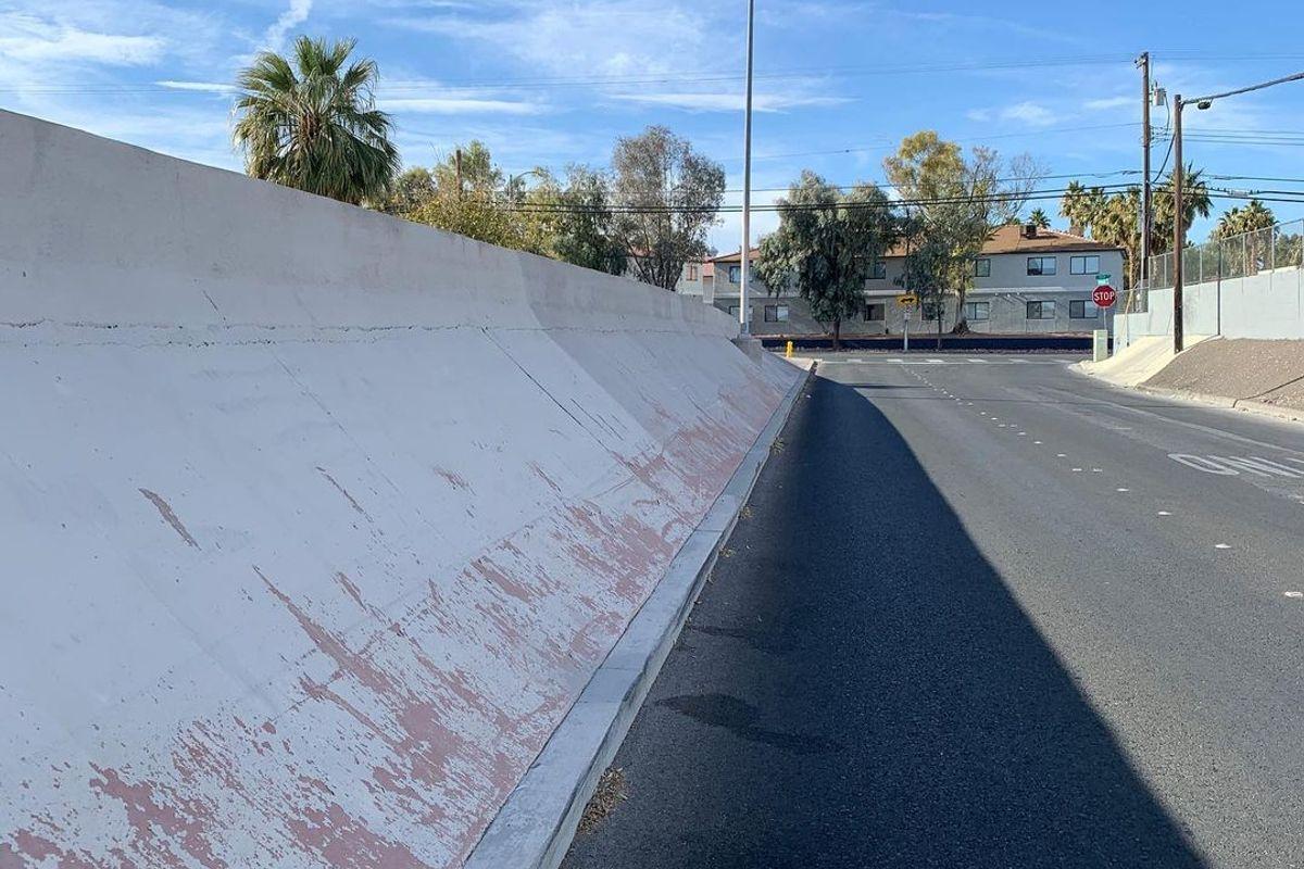 Image for skate spot East Wyoming Avenue Wallride / Banks