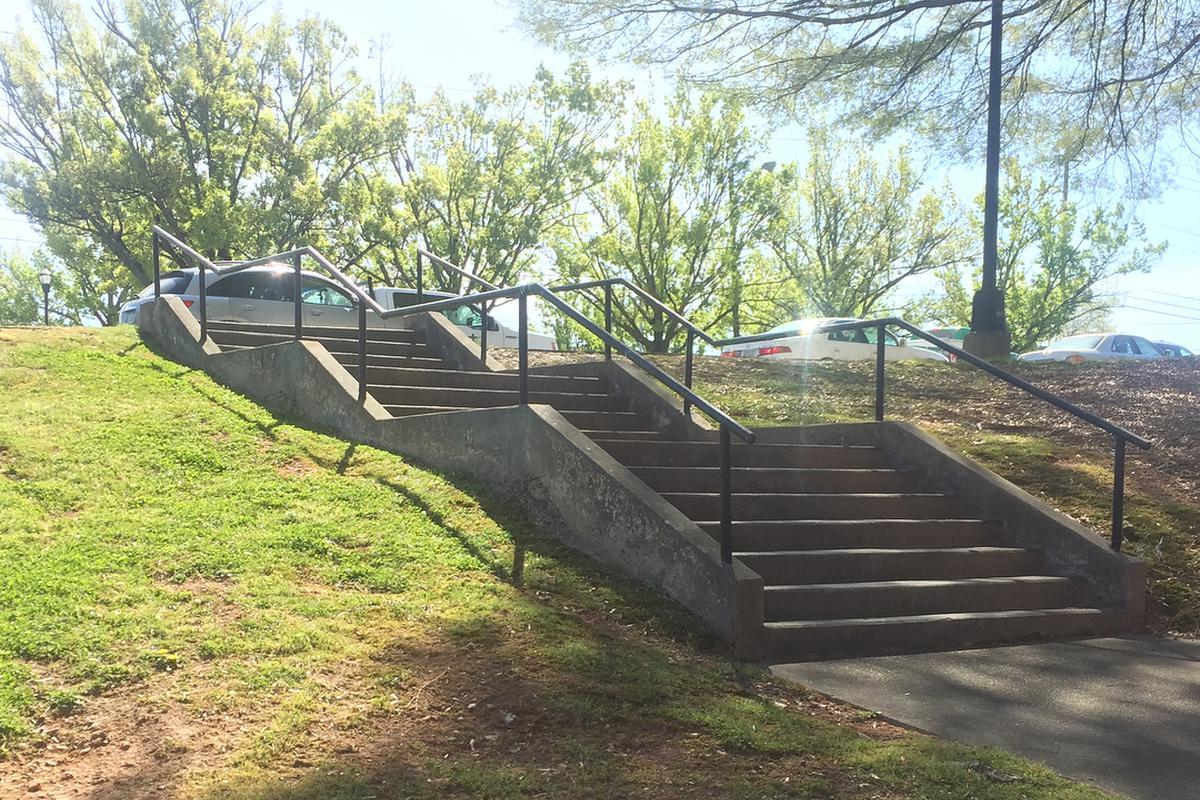 Image for skate spot Family Life Center Triple Set Rail