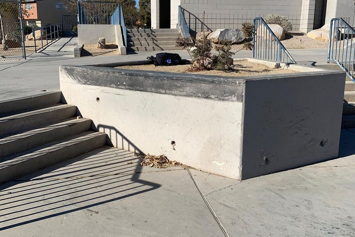 Image for skate spot Jim Bridger Middle School 4 Stair Out Ledges