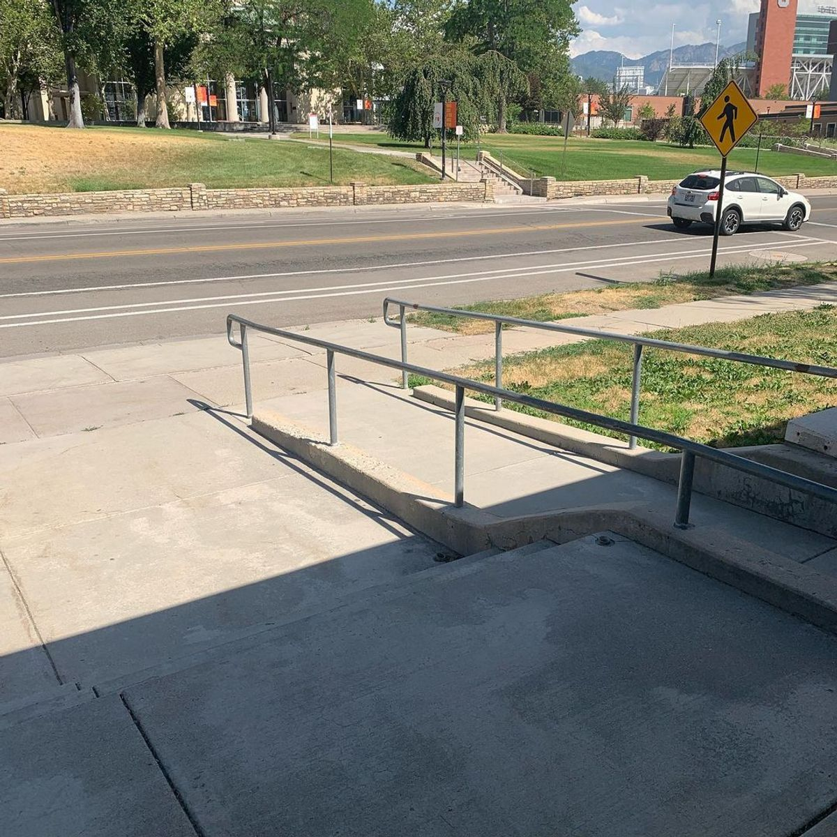 Image for skate spot West Institute - 3 Stair Out Rail