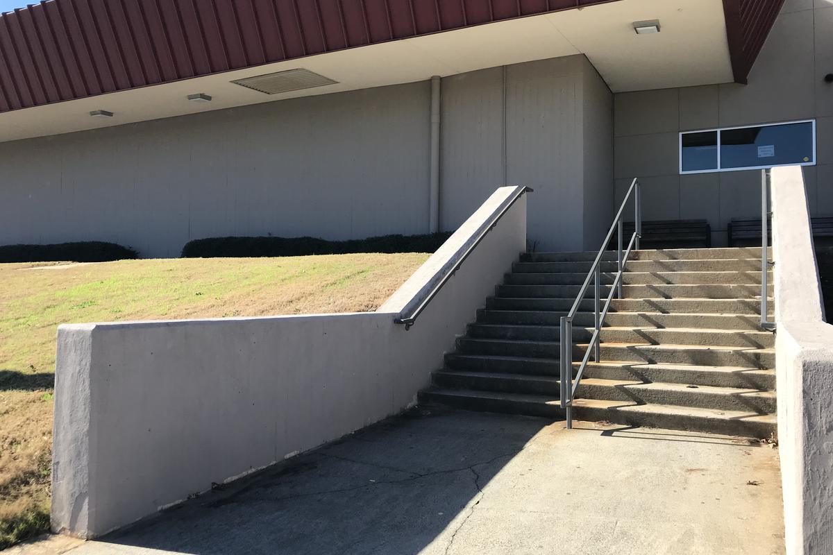 Image for skate spot Larry Bell Kinked Hubba