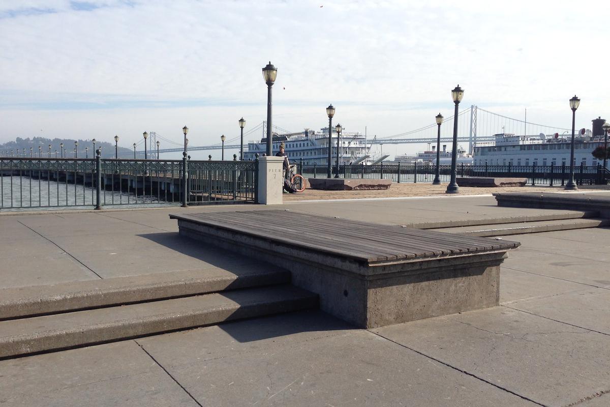 Image for skate spot Pier 7 Manny Pads