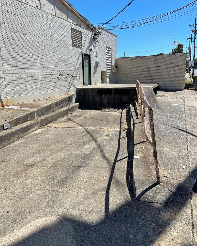 Image for skate spot 2nd St - Loading Dock Rail