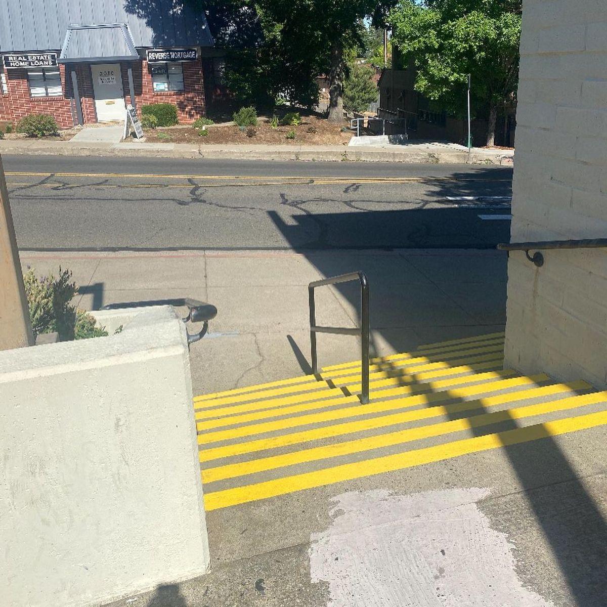 Image for skate spot Sacramento St - Gap To Rail