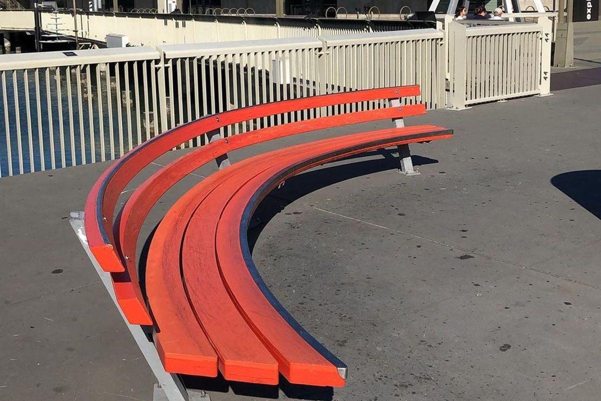 Image for skate spot Pier 15 Curved Bench