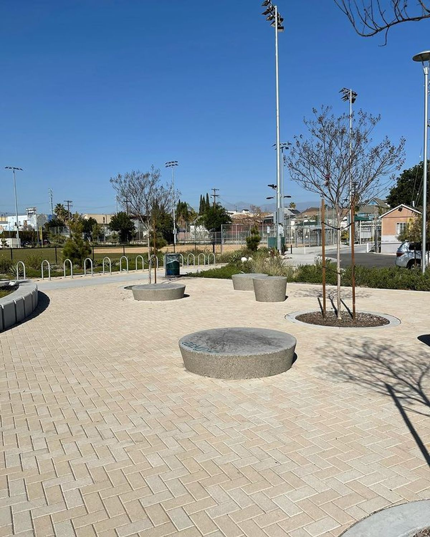 Image for skate spot Albion Riverside Park - Circle Manny Pads
