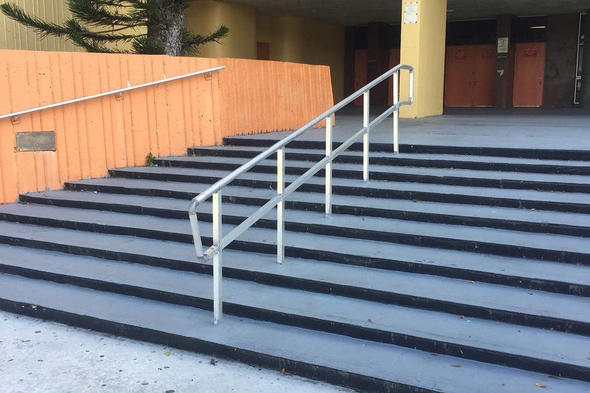 Image for skate spot South Miami Senior High School 10 Stair Rail
