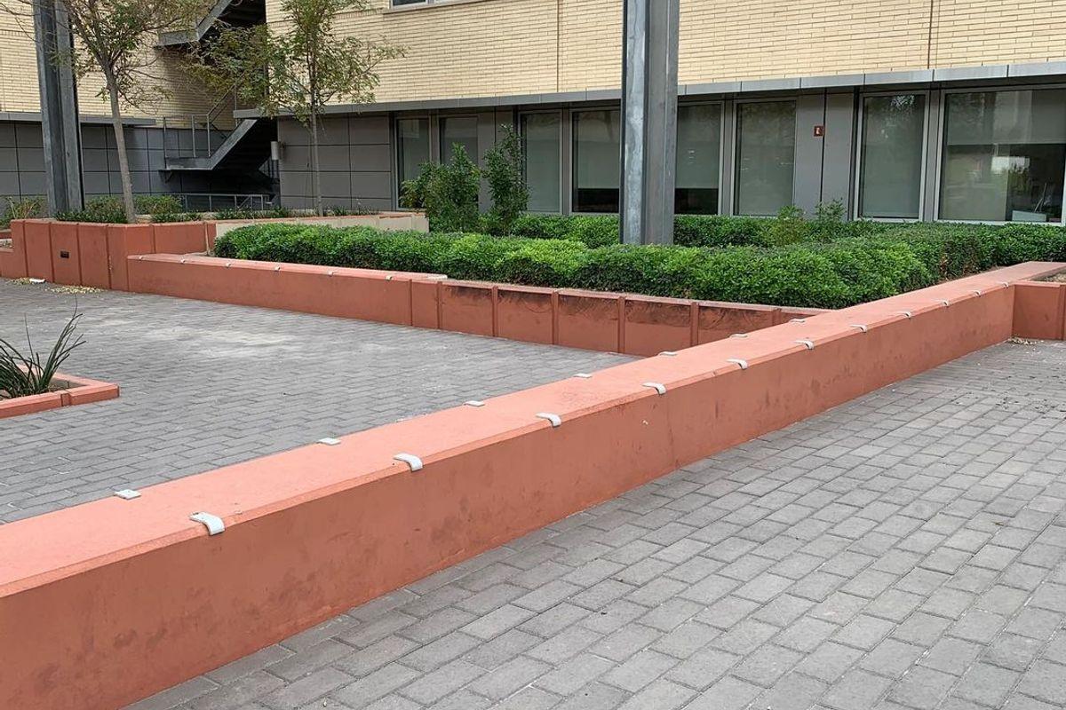 Image for skate spot University of Nevada Greenspun Plaza