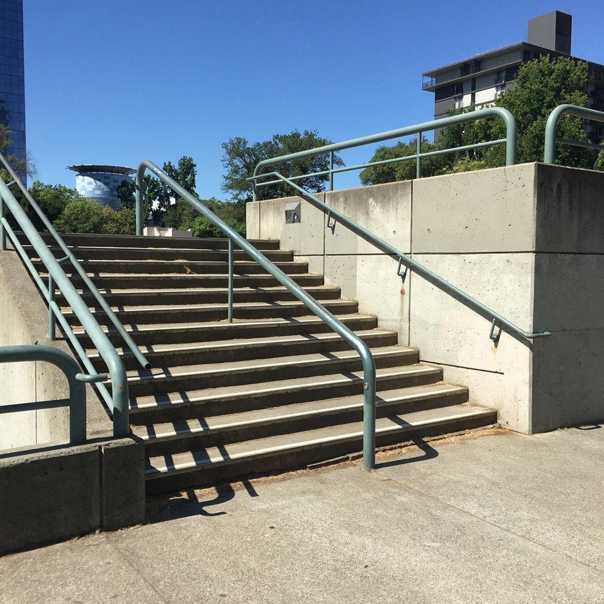 Image for skate spot 8th & O - 12 Stair Rail