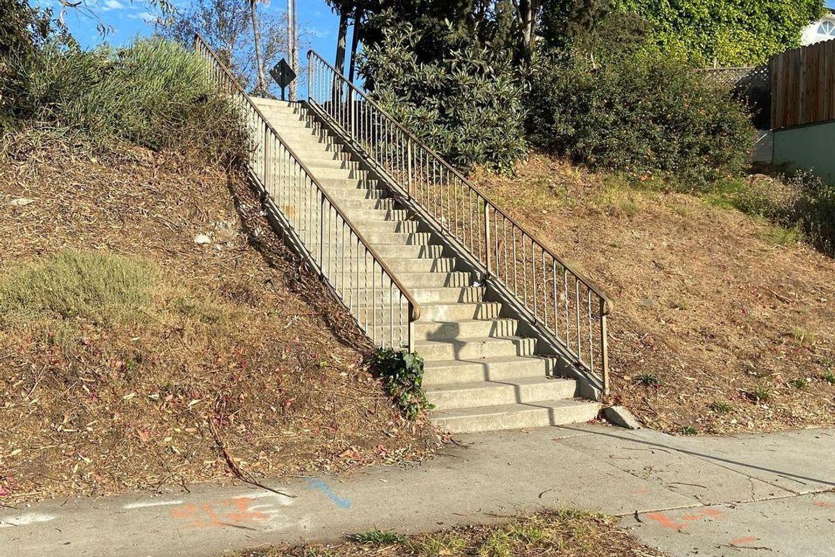 Image for skate spot Olympic Blvd 26 Stair Rail
