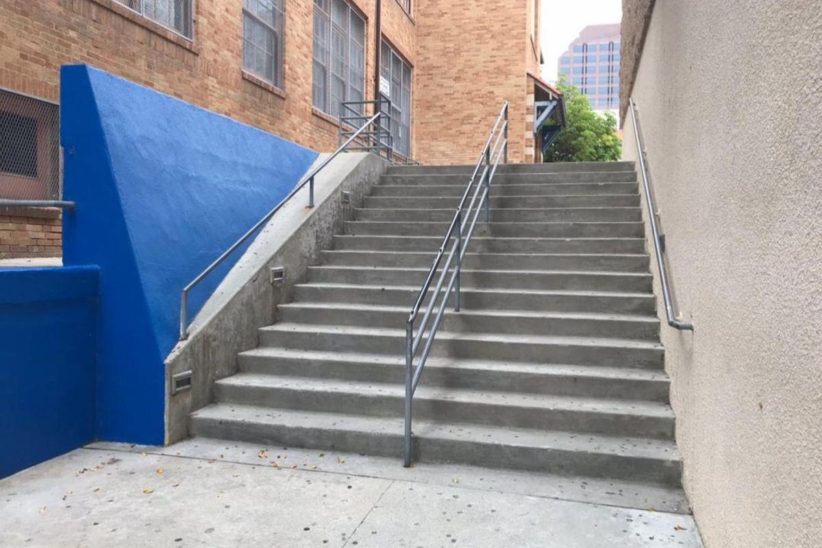 Image for skate spot University High School 15 Stair Rail