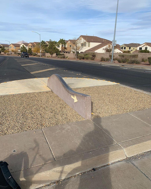 Image for skate spot Fiesta Henderson Blvd Wave Ledge