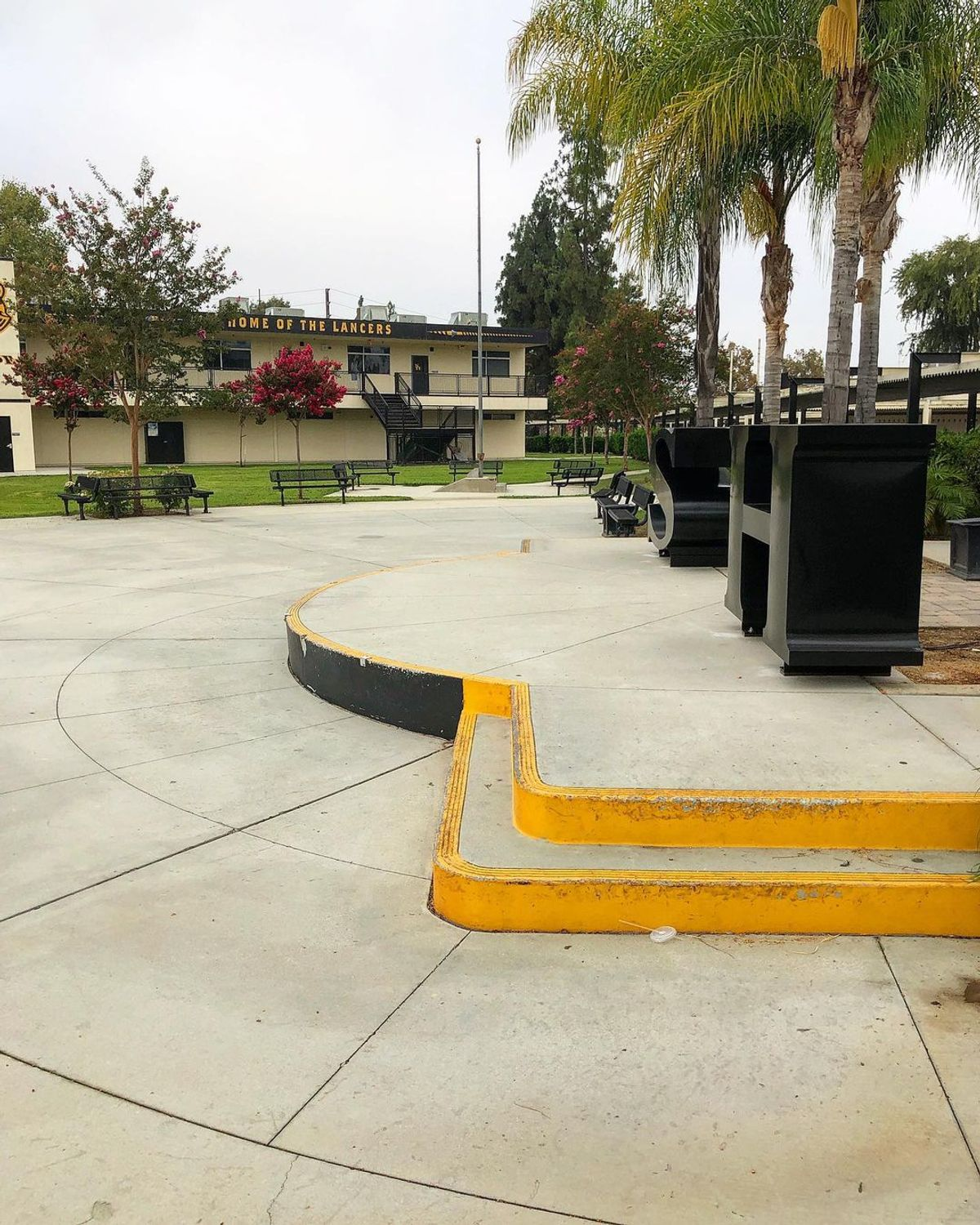 Image for skate spot Sunny Hills High School -Stage Manny Pad