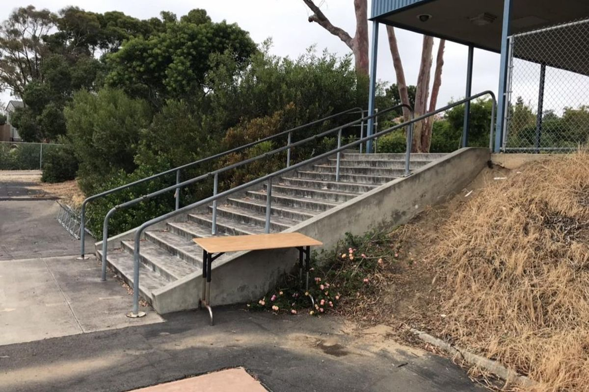 Image for skate spot Muirlands Middle School 14 Stair Rail